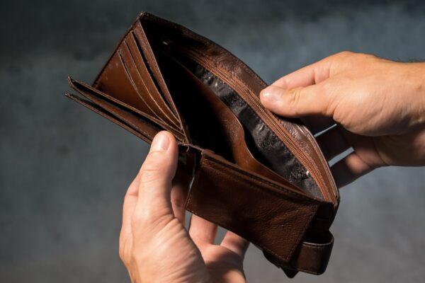 金運アップの方法は風水を取り入れた白蛇の金運財布が効果絶大?