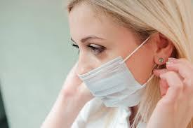 マスクで顔が痒い!肌荒れトラブルの原因と対処の方法は?
